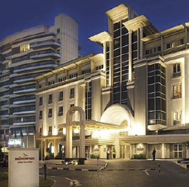 The Mövenpick Hotel Bur Dubai is located in the heart of one of the most cosmopolitan cities in the Middle East and is the residence of choice for discerning business and leisure travelers.