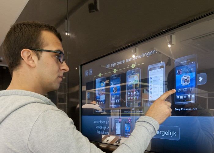 Innovative Interactive Shopping Experience Boosts Average Order Value in Mobile Phone Store