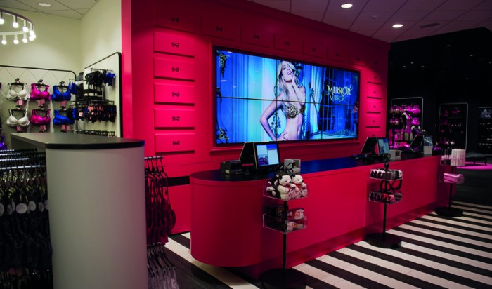 Hunkemöller new dimension to shopping experience