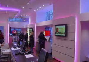 Each InfoChannel Player is placed in one subsidiary and displays special offers of mobile phones or new T-Mobile services.