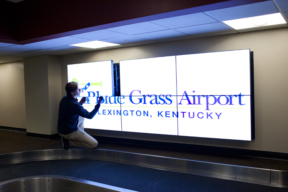Airport Digital Signage Advertising