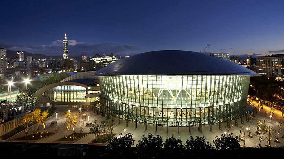 Taipei Arena Uses Social Media in Giant DOOH Install